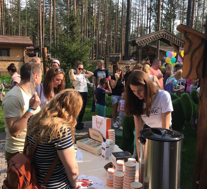 425 чашек ароматного чая Teatone на детском празднике в Охта Парке!